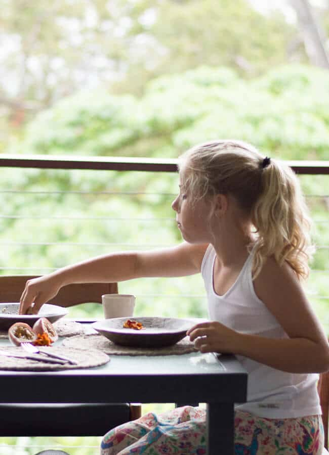 Healthy Breakfast ideas -why you should eat it as well as practical tips and recipe ideas for eating a healthy, nutritious breakfast (that the kids will love)