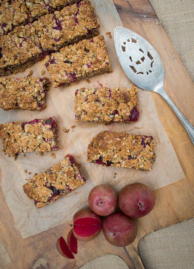 Fruit crumble muesli bar - This delicious Fruit Crumble Muesli Bar is great for school lunches & can be frozen for a hassle free snack. It is nut-free, gluten, dairy-free options.