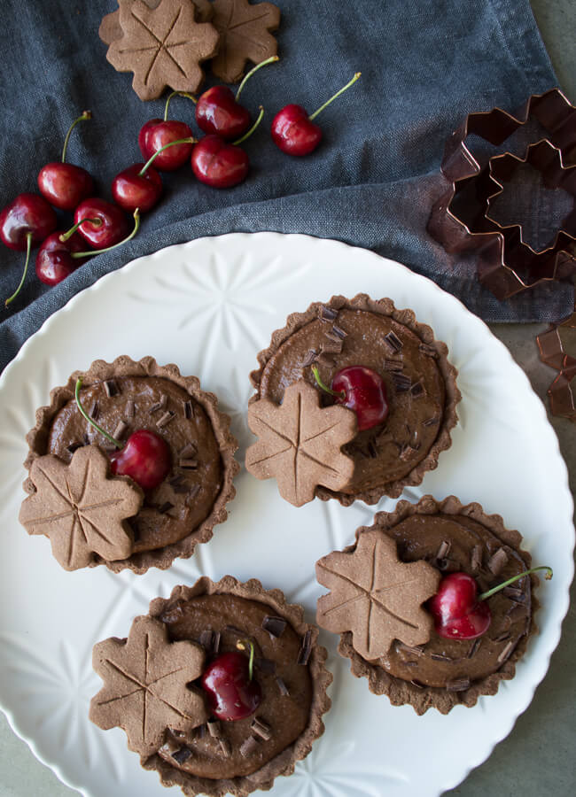Healthy Chocolate Tart - These Rich Chocolate Tarts are a great make-ahead dessert as you can make all the components in advance and then assemble prior to serving.